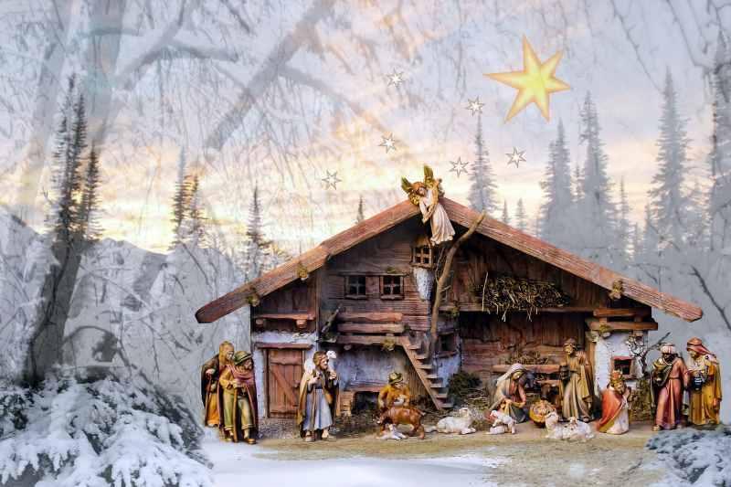 Presepe natalizio con accessori btv in legno massiccio di alta