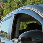 Deflettori e Parapioggia e Vento per Finestrini Auto