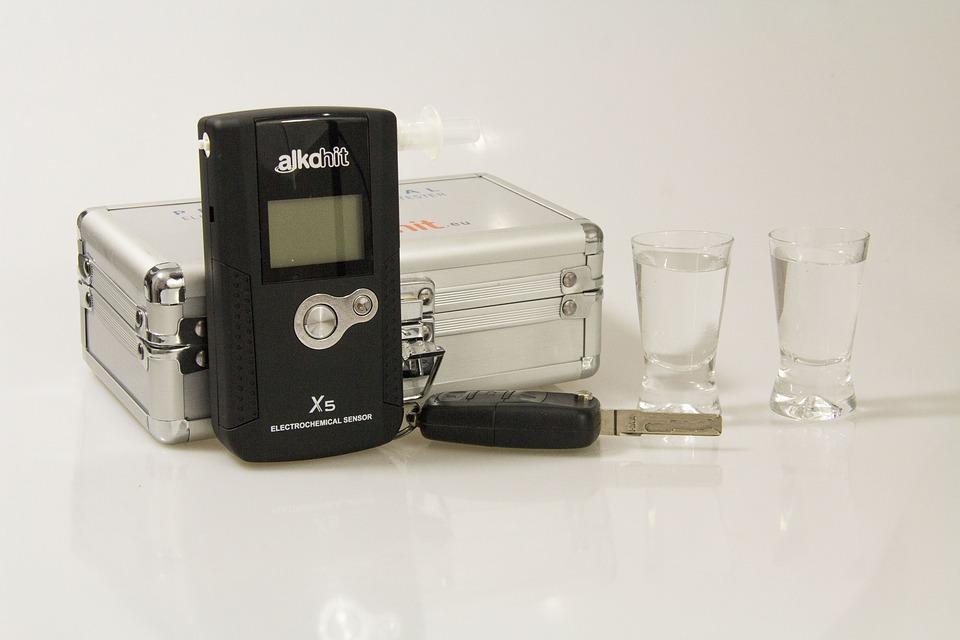 Compatti Affidabili ACE+ X Etilometro Portatile Personale Elevato Grado di Precisione 99,1/% Professionale Alcol Test Digitale