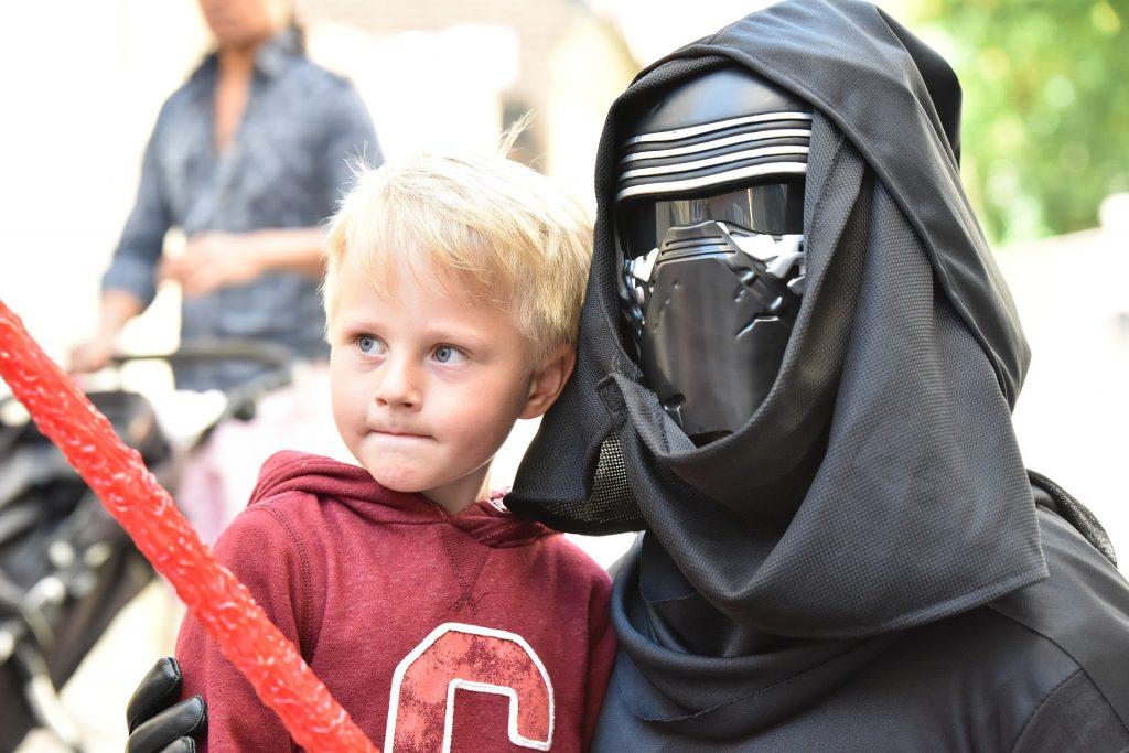 afe490b6c2a0 Consigli e Offerte per Acquistare online i costumi da Star Wars per Adulti  e Bambini: