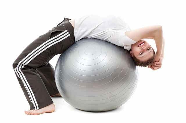 Palla Fitness con Ragazzo sopra